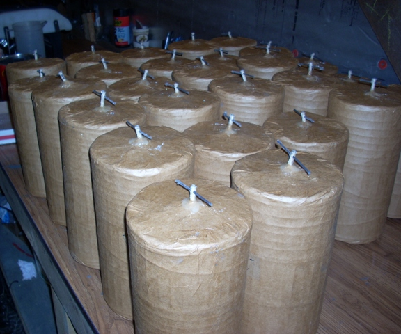 6 inch 3 break canister shells pasted by Old Glory Powder Company